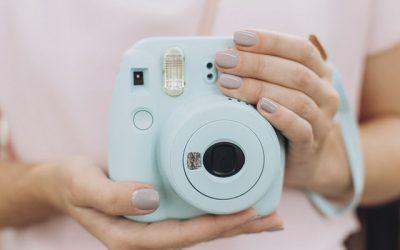 Características de una cámara de fotos instantánea